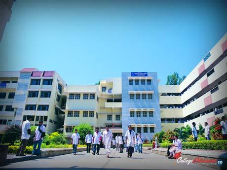 KLE Pharmacy Colleges Bangalore Photo